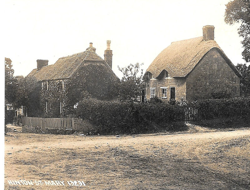 Top of Wood Lane – cottage on right now demolished